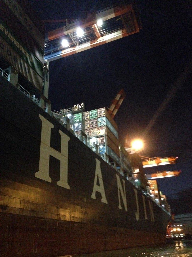Visita nocturna al puerto de Hamburgo.