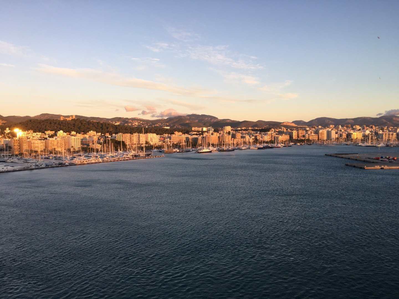 Amanecer en el puerto de Palma.