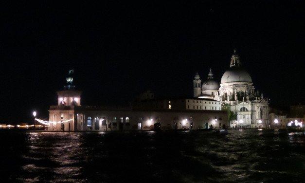 """""""Overnight"""" en Venecia"""