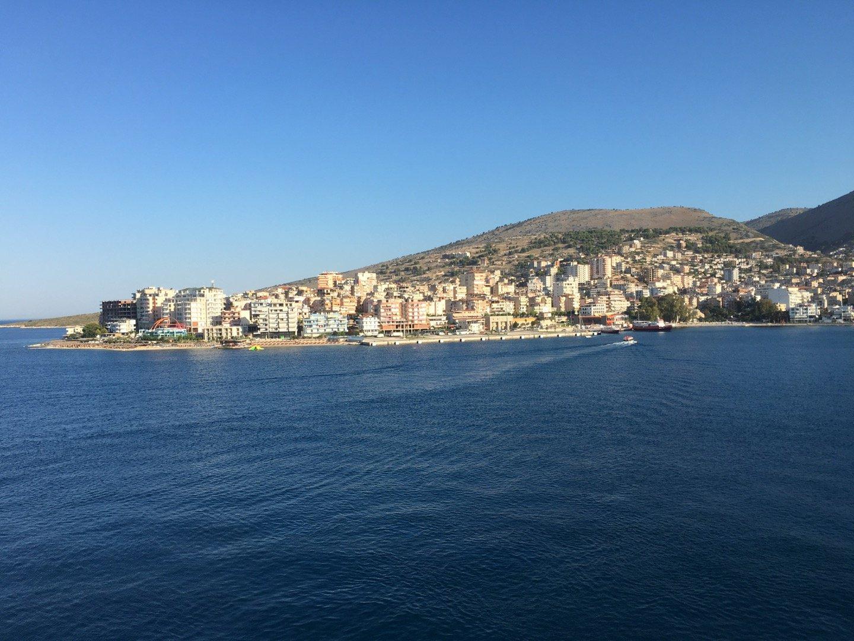Sarandë, desde la cubierta del Eurodam
